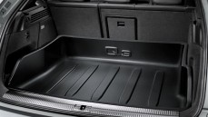 Q3 Luggage Compartment Tray