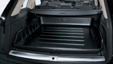 Q7 Luggage Compartment Tray