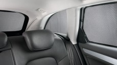 Q7 Sun Protection System: Rear & Side Windows